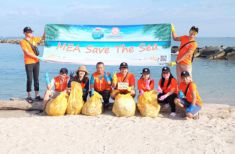 MEA volunteers team up to collect trash at Saeng C...